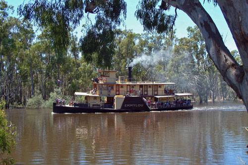Murray River Steamers - Photo: ©2011 Ian Greig - www.simplonpc.co.uk