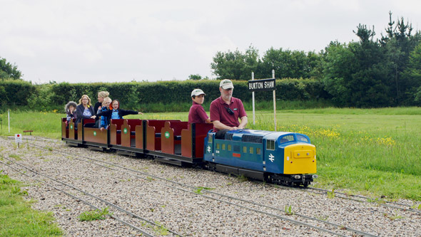 Barnards Miniature Railway - Photo: © Ian Boyle 29th May 2014 - www.simplonpc.co.uk