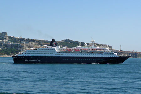 Bleu de France - Croisieres de France -  Photo: � Ian Boyle, 27th August 2009