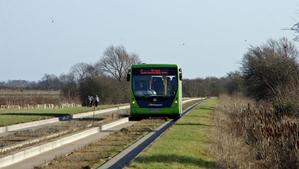 Cambridge Busway - Photo: ©2013 Ian Boyle - www.simplonpc.co.uk