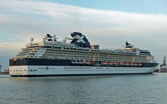 CELEBRITY INFINITY - Photo: © Andrew Cooke, 12th October 2013 - www.simplonpc.co.uk