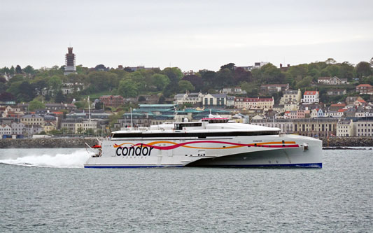 CONDOR LIBERATION - Photo: © Ian Boyle, 12th May 2015 - www.simplonpc.co.uk