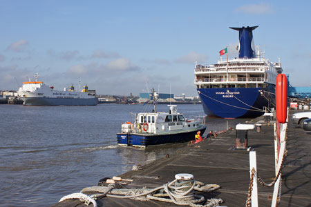 Ocean Countess - Photo: © Ian Boyle, 15th April 2010 - www.simplonpc.co.uk