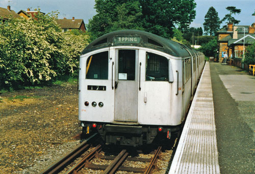 Epping-Ongar - Photo: ©1986 Ian Boyle - www.simplompc.co.uk - Simplon Postcards