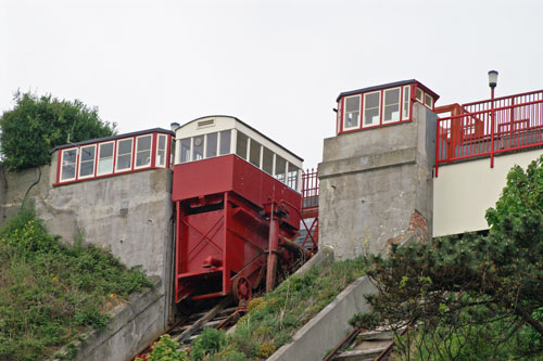 FOLKESTONE LEAS CLIFF LIFT - Photo: © Ian Boyle, 10th May 2007 - www.simplonpc.co.uk