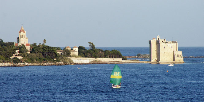 Île Saint-Honorat = GRAND PRINCESS Cruise - Photo: © Ian Boyle, 29th October 2011 - www.simplonpc.co.uk
