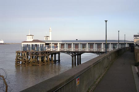 GRAVESEND TOWN PIER - www.simplonpc.co.uk - Photo: � Ian Boyle, 12th March 2006
