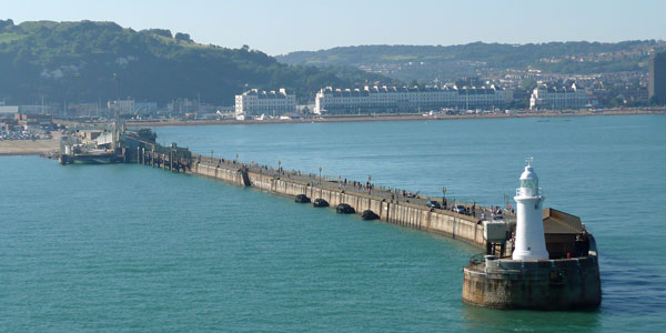 DOVER -  PRINCE OF WALES  PIER - Photo: ©2007  Ian Boyle - www.simplonpc.co.uk