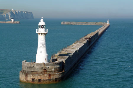 DOVER -  SOUTHERN BREAKWATER-WESTERN - Photo: ©2007  Ian Boyle - www.simplonpc.co.uk
