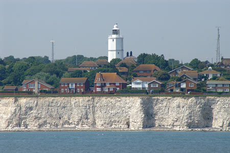 NORTH FORELAND LIGHTHOUSE - Photo: ©2006  Ian Boyle - www.simplonpc.co.uk