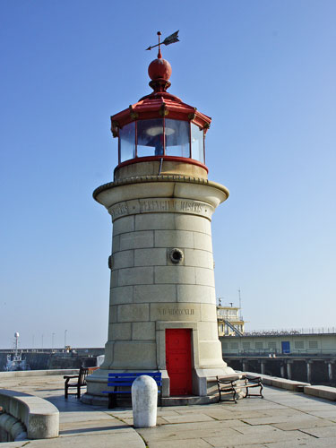 Ramsgate Lighthouse - www.simplonpc.co.uk