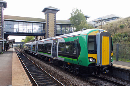 London Midland Trains - www.simplonpc.co.uk - Photo: © Ian Boyle, 26th September 2011