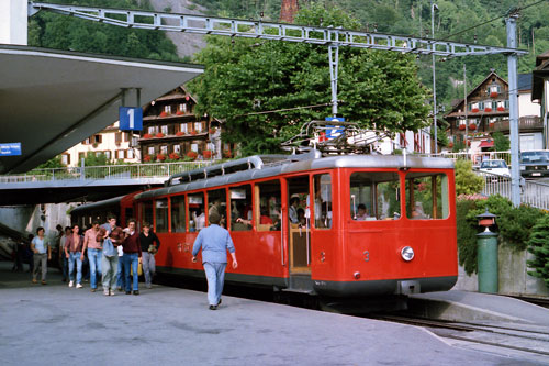 Vitznau-Rigi Bahn - Photo: ©1985 Ian Boyle - www.simplonpc.co.uk - Simplon Postcards