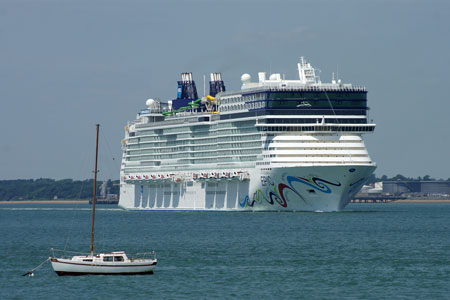 NORWEGIAN EPIC at Southampton - Photo: © Ian Boyle, 23rd June 2010 - www.simplonpc.co.uk