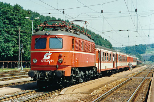 ÖBB Class1018 - Photo: ©1991 Ian Boyle - www.simplonpc.co.uk - Simplon Postcards