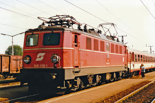ÖBB Class1041 - Photo: ©1991 Ian Boyle - www.simplompc.co.uk - Simplon Postcards