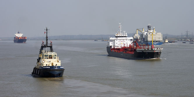 SVITZER MERCIA - Photo: © Ian Boyle, 18th April 2010 - www.simplonpc.co.uk
