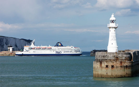 PRIDE OF CALAIS - P&O Ferries - Photo: �2005 Ian Boyle - www.simplonpc.co.uk