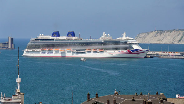 BRITANNIA at Blibao - P&O Cruises - Photo: © Ian Boyle, 6th March 2015 - www.simplonpc.co.uk
