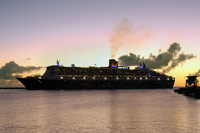 QM2 leaving Barbados