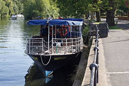 HAMPTON COURT (Salter's Steamers) - Photo: �Ian Boyle 1st September 2010 - www.simplonpc.co.uk