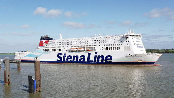 STENA BRITANNICA (Stena Line) - Photo: © Ian Boyle, 15th May 2015 - www.simplonpc.co.uk
