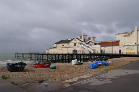 Bognor Pier - Sussex - www.simplonpc.co.uk -  Photo: © Ian Boyle, 1st July 2007