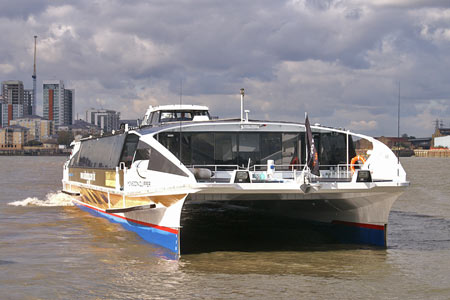 Monsoon Clipper - Thames Clippers - www.simplonpc.co.uk -  Photo: © 2007 Ian Boyle
