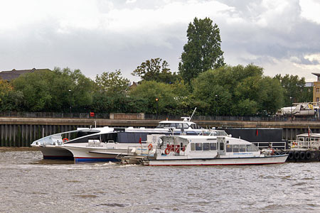 CYCLONE CLIPPER & SKY CLIPPER - Thames Clippers