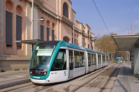 Barcelona TRAM Trambesòs - Photo: © Ian Boyle, 18th March 2008 - Simplon Postcards - www.simplonpc.co.uk