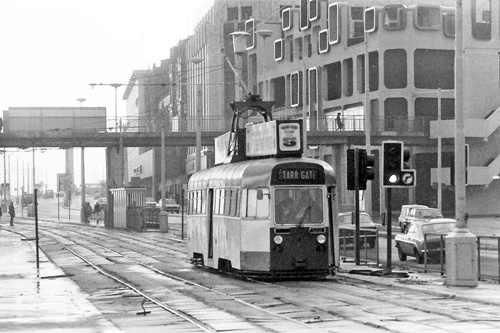 BLACKPOOL TRAMS - Photo: ©1976 Ian Boyle - www.simplompc.co.uk - Simplon Postcards