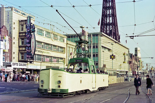 BLACKPOOL TRAMS - Photo: ©1981 Ian Boyle - www.simplompc.co.uk - Simplon Postcards