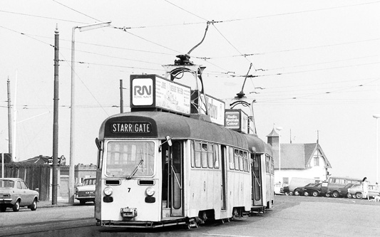 BLACKPOOL TRAMS - Photo: ©1974 Ian Boyle - www.simplompc.co.uk - Simplon Postcards