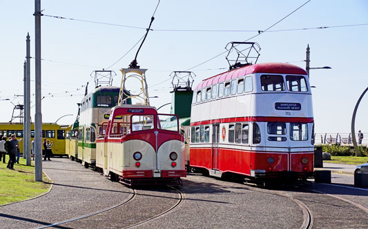 BLACKPOOL TRAMS - Photo: ©2015 Ian Boyle - www.simplompc.co.uk - Simplon Postcards