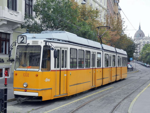 BUDAPEST TRAMS - Photo: ©2012 Mike Tedstone - www.simplompc.co.uk - Simplon Postcards