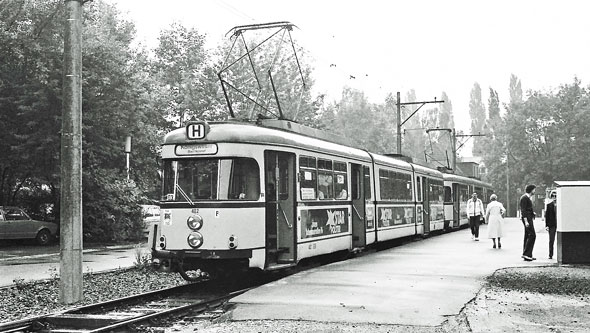 Koln-Bonn Trams - www.simplonpc.co.uk - Photo: ©1980 Ian Boyle