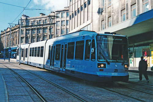 SHEFFIELD SUPERTRAM - Photo: ©1996 Ian Boyle - www.simplompc.co.uk - Simplon Postcards