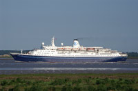 MARCO POLO leaving Tilbury on a Norwegian cruise