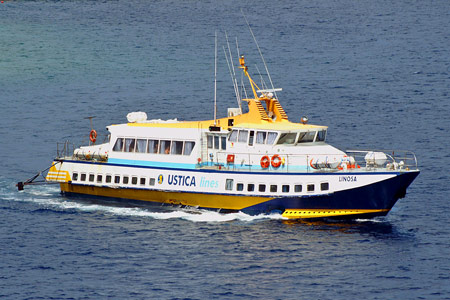 Linosa - Ustica Lines - Photo: � Ian Boyle, 9th July 2006